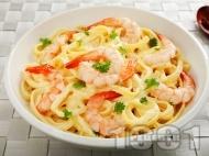 Рецепта Талятели паста със сметана, жълтъци и скариди